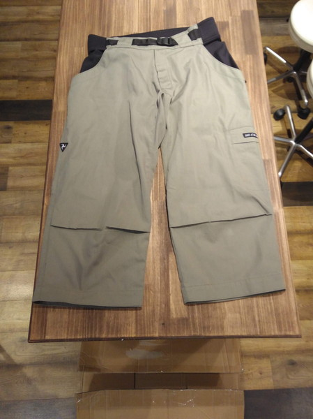 tools of the adventureのmovement pants
